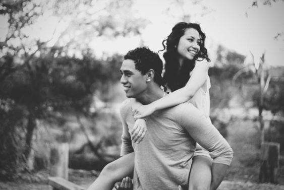 86-black-and-white-couple-love.juxdaily